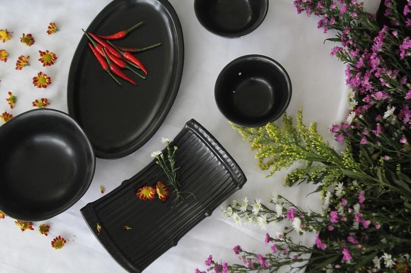 Bộ bát đĩa ( bộ bàn ăn) men Mát đen Bát Tràng