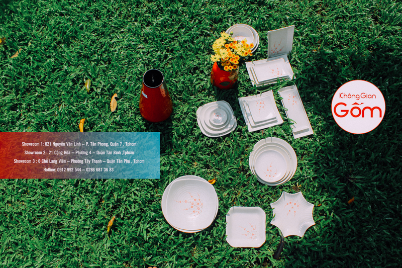 Bộ bàn ăn vẽ hoa anh đào