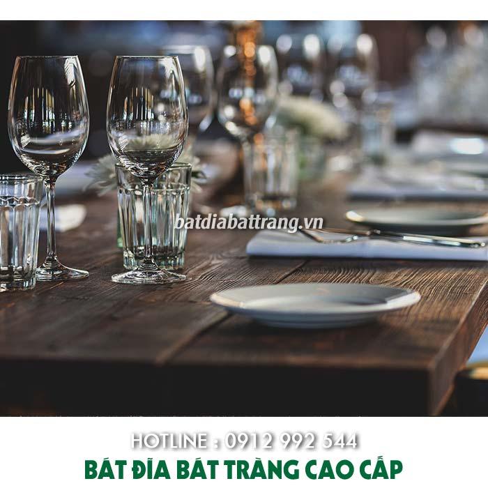 Chén dĩa phục vụ buffet có những loại nào, cách set up bát đĩa chuẩn