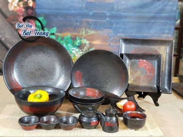 Bộ bát đĩa men đá đen quét màu đỏ. Mua bát đĩa nhà hàng nướng ở tphcm, tô chén giá tốt tại xưởng
