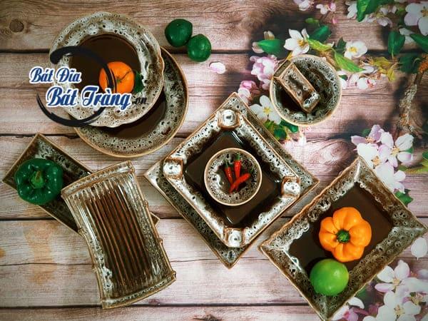 Bộ bát dĩa cổ đẹp nhất mọi thời đại mang dáng dấp Hà Nội xưa