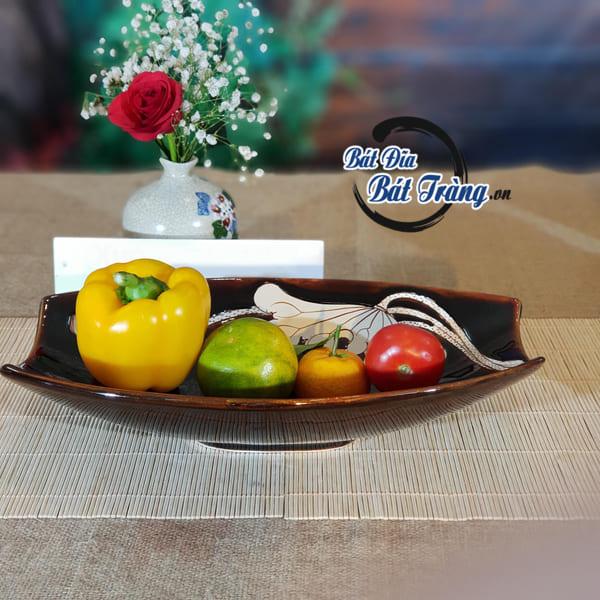 Chọn Bộ bát đĩa men nâu khắc hoa sen cao cấp cho nhà hàng sang trọng