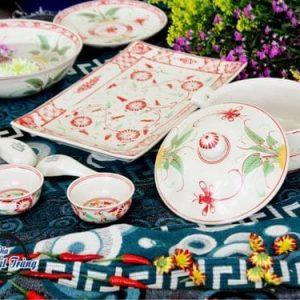bộ bàn ăn men rạn vẽ hoa đỏ Bát Tràng